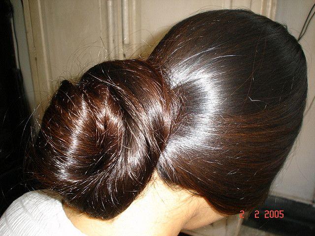 Model L 3 | Long silky hair, Lustrous hair, Long hair styles