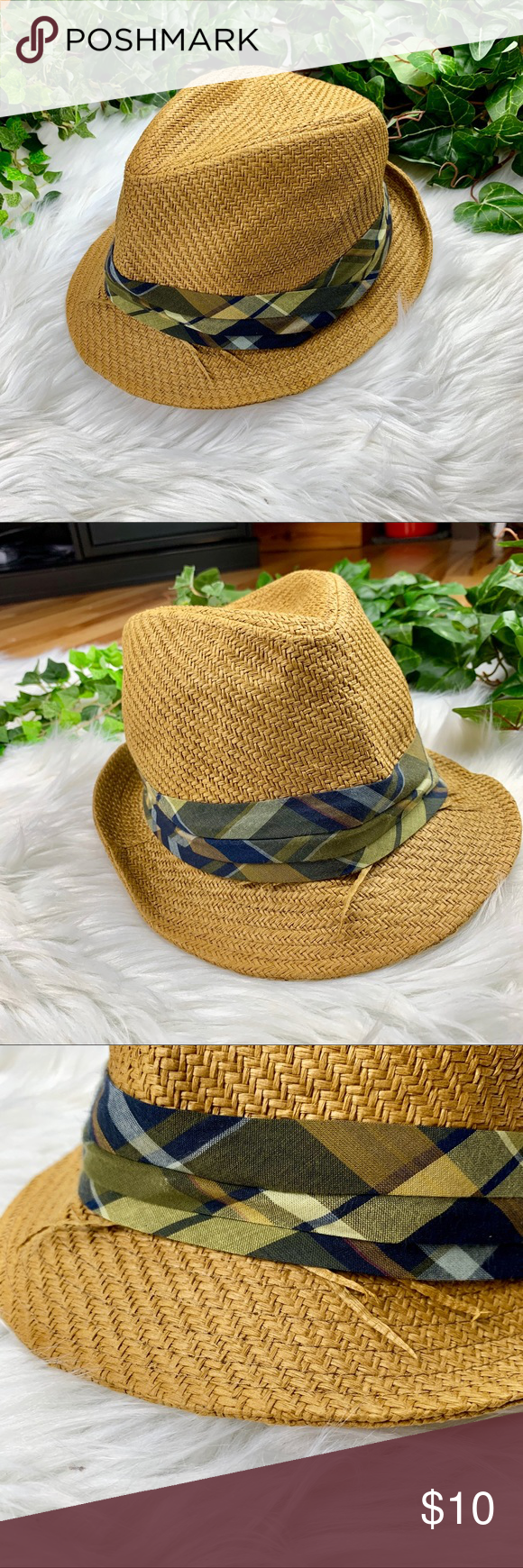 651c926ae4633 Plaid Band Straw Fedora Hat Women s Fully Lined Excellent Preowned  Condition. Unworn. Paper Straw Hat with green plaid band from Universal  Thread by Target.