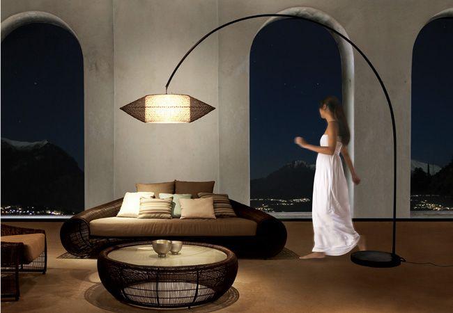 2020 的 Kai Arc Floor Lamp By Hive Laki 2878 主题