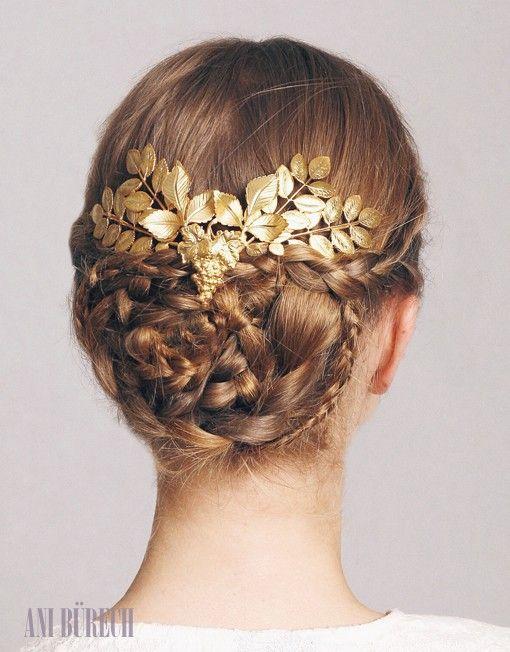petite minerva oro #aniburech #bridalheadpieces #brides #tocadosdenovia #cherubina #cherubinabrides #tocados #novia @cherubinahats www.cherubina.com