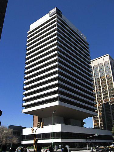 MArio Roberto Alvarez: Torre IBM