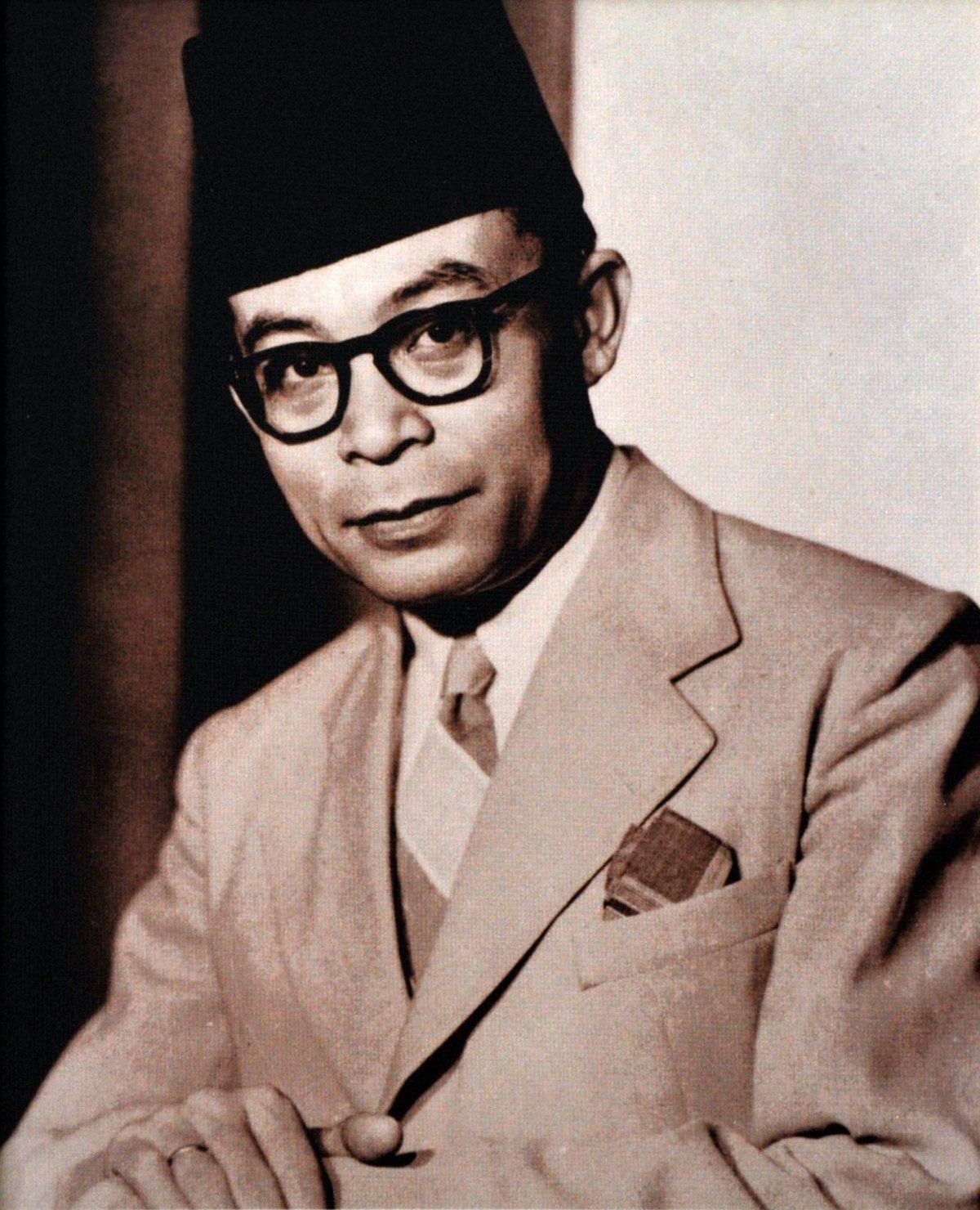 Gambar Pahlawan Fatmawati