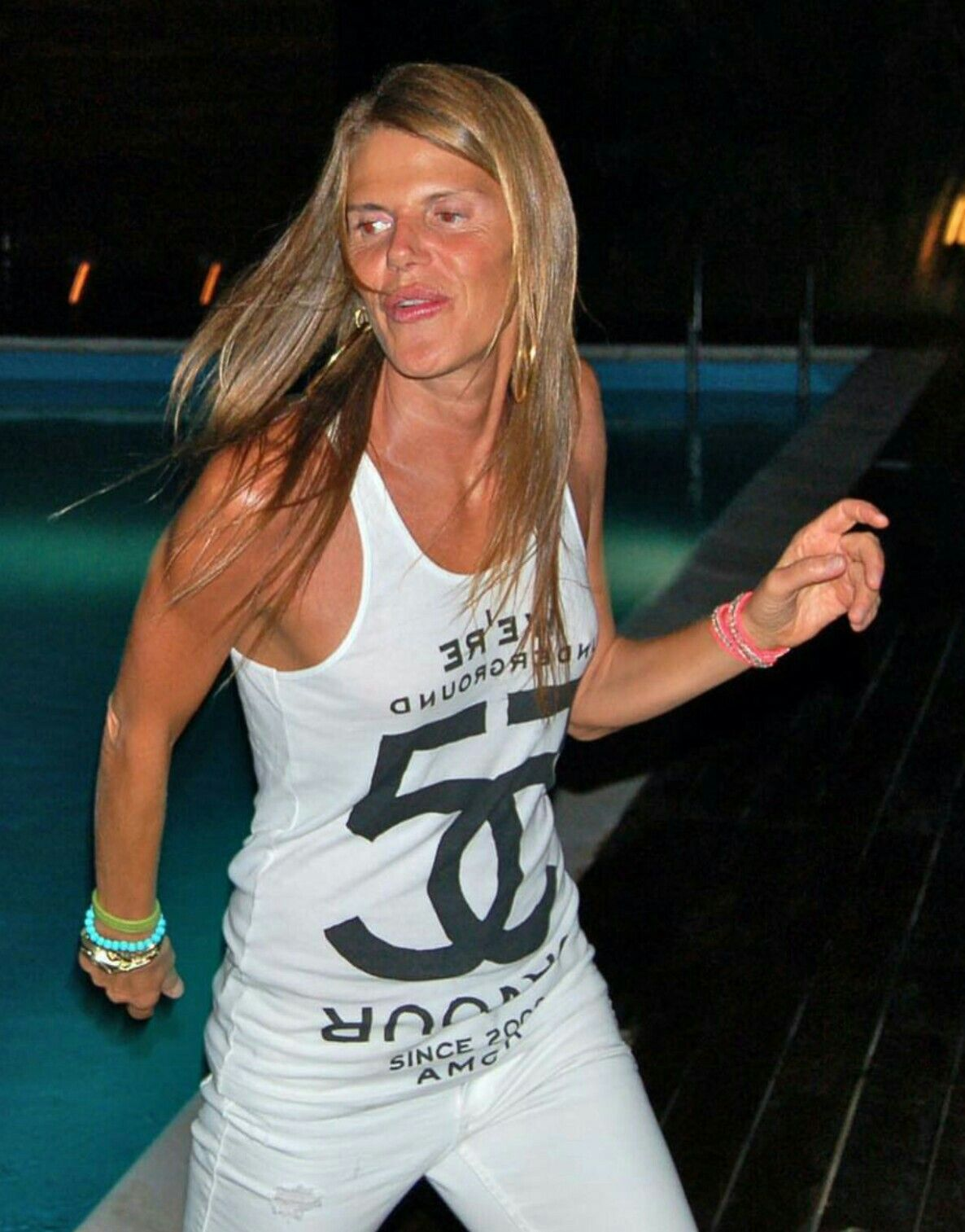 Black and white street style Anna Dello Russo chanel t-shirt  skinny