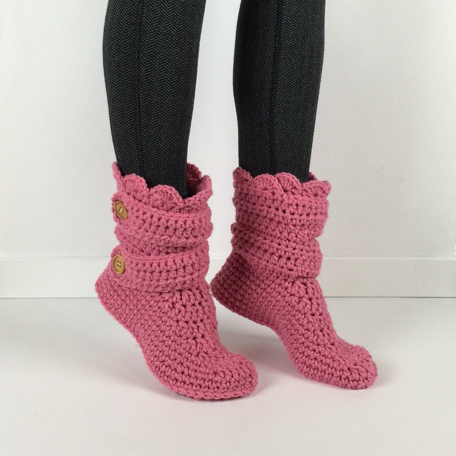 Womens crochet pink slipper boots crochet slippers crochet womens crochet pink slipper boots crochet slippers crochet booties crochet house shoes bankloansurffo Image collections