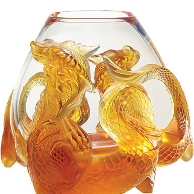 Lalique true-tone Glass Bowl with dragons...