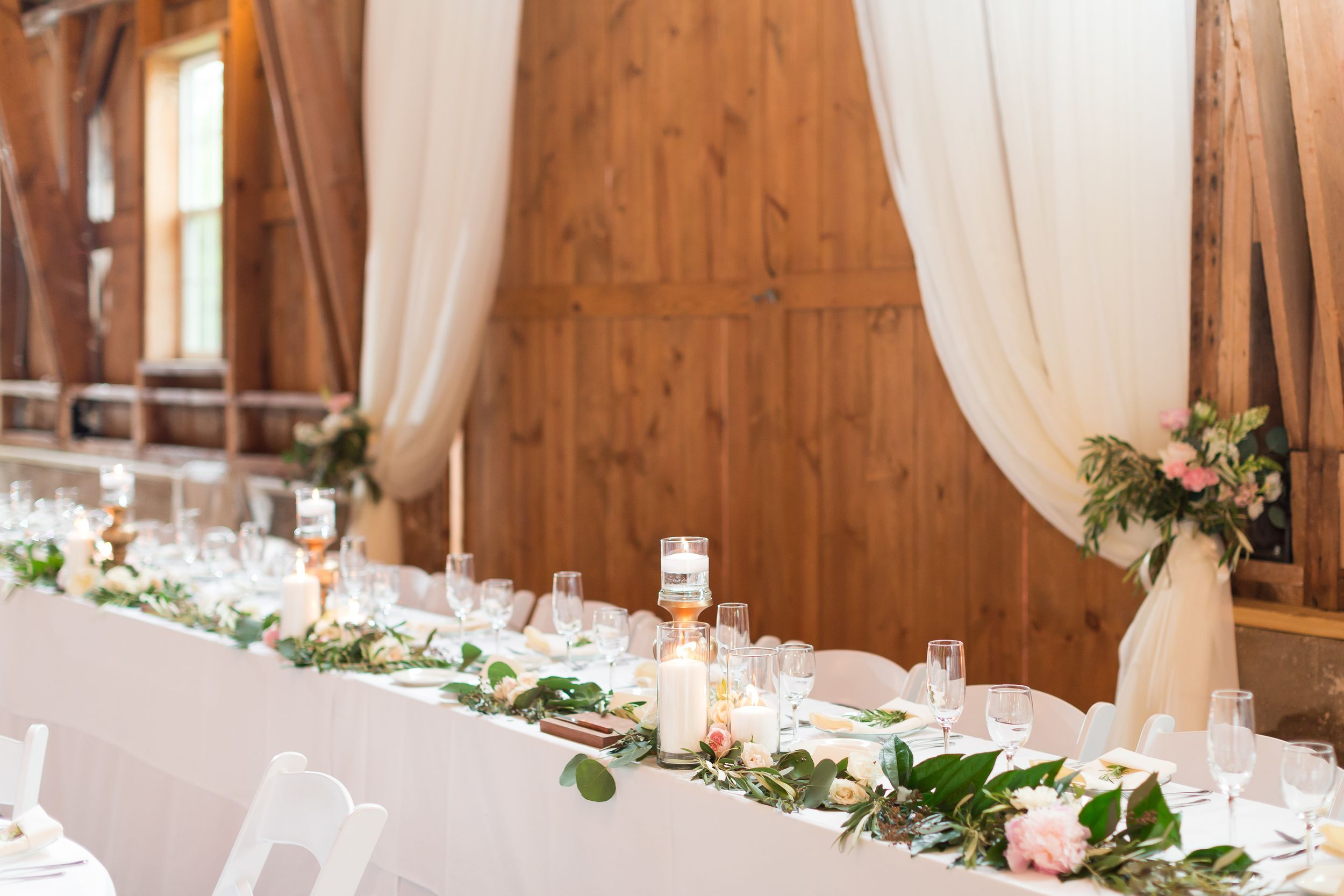 Pink and gold barn wedding reception | Maison Meredith Photography | www.maisonmeredith.com