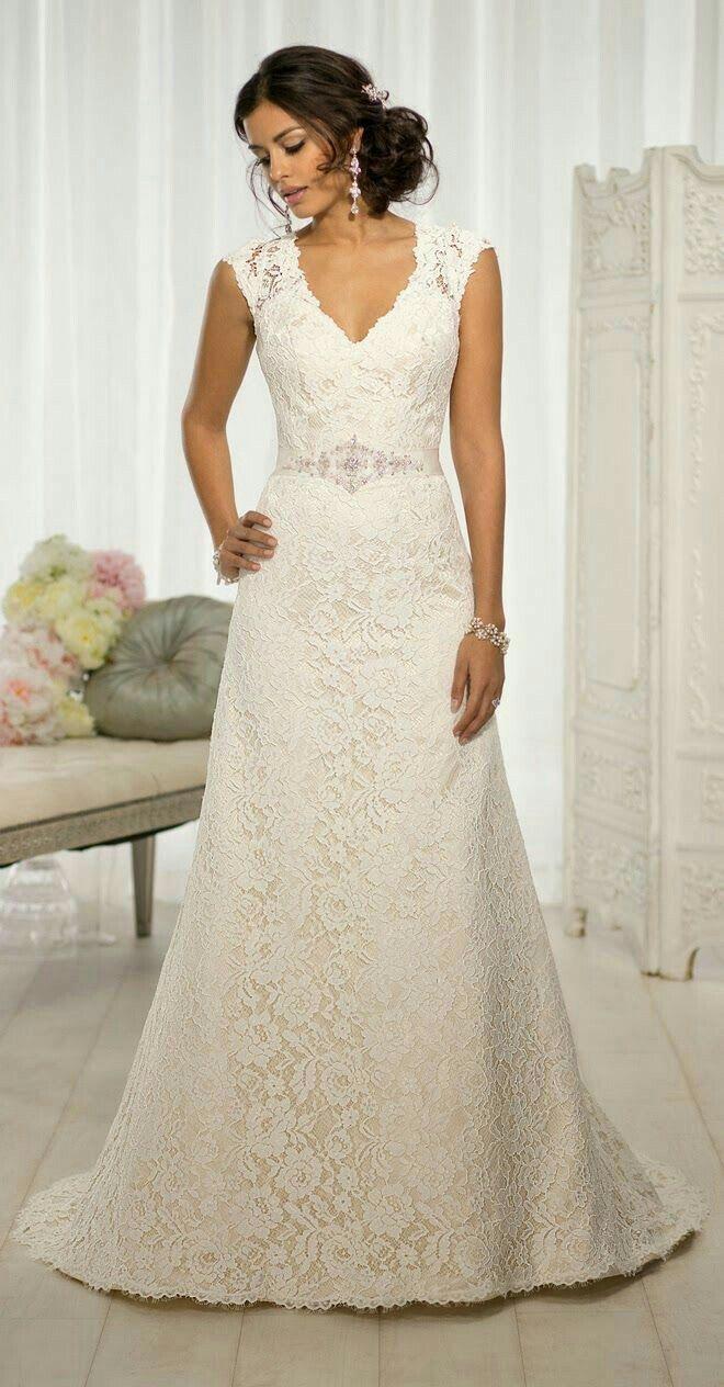 Pin von Abi auf Wedding gowns   Pinterest   Hochzeitskleider und ...