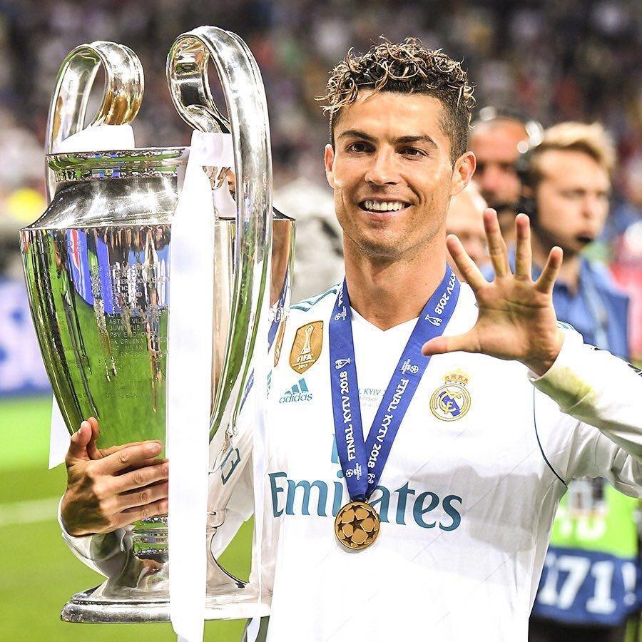 Pin De Cristhy2701 Garcia Em Cristiano Ronaldo Ronaldo Cristiano Ronaldo Lionel Messi