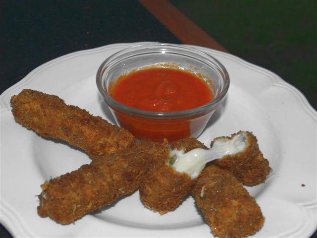 Momma Mia Mozzerella ~ Homemade Fried Cheese Sticks #mommamia