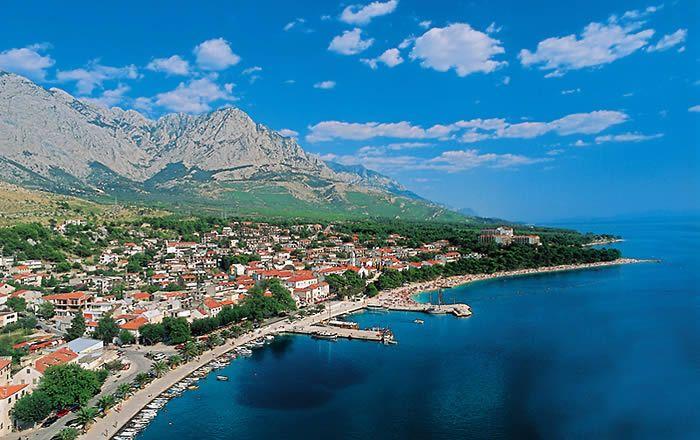 baška voda near makarska with biokovo mountain in the background