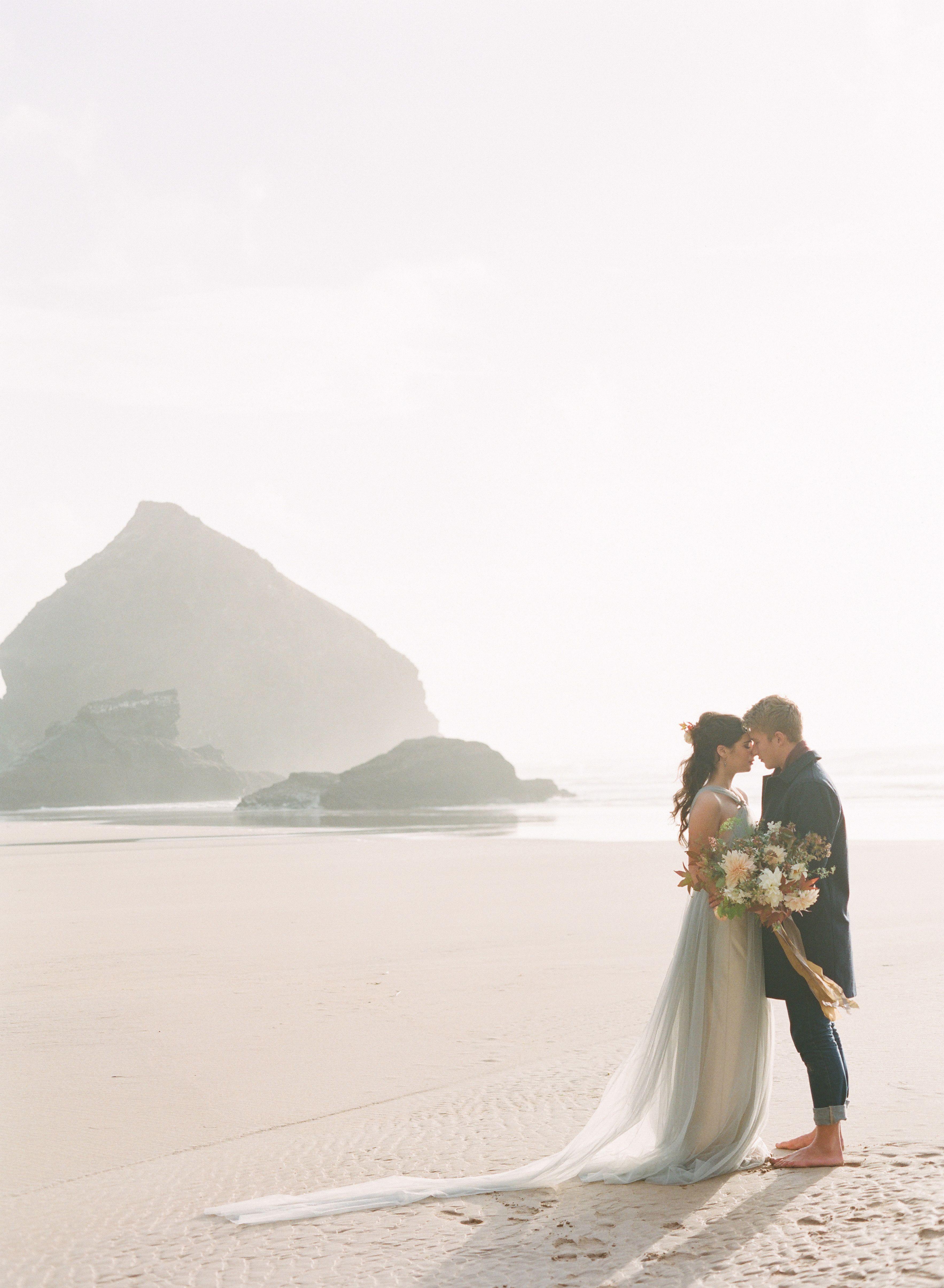 Best at dusk organic coastal wedding ideas dingsparrow