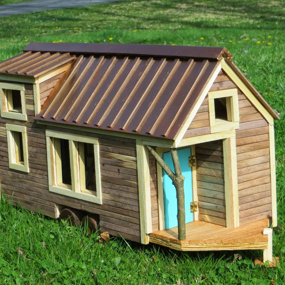 Robin S Nest Tiny House Model