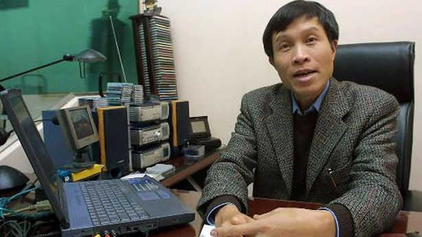 Now Vietnam is having a problem with bloggers speaking their minds...  - http://holesinthefoam.us/now-vietnam-is-having-a-problem-with-bloggers-speaking-their-minds/