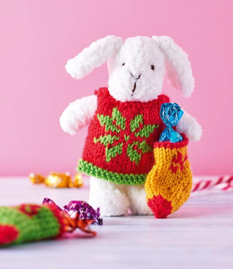 Christmas bunny // Let\'s Get Crafting, issue 96 // Image: cliqq.co ...