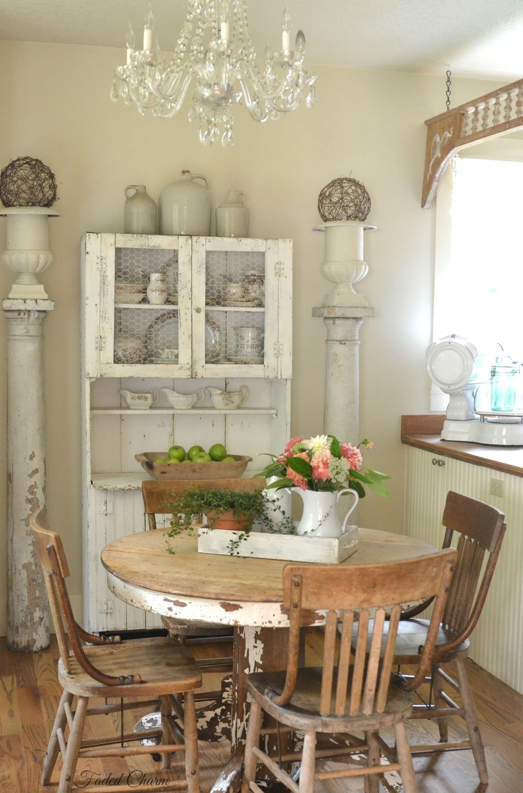 Faded Charm Farmhouse Fresh Dining Room Inspiration