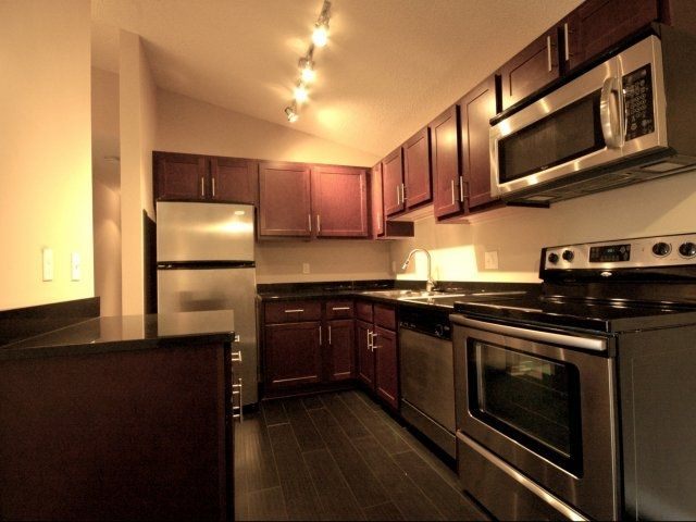 Park Glen Apartments In St. Louis Park. New Stainless Steel Kitchen  Upgrades.
