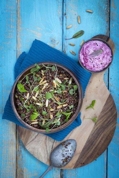 Fresh quinoa side dish. http://www.jotainmaukasta.fi/2015/02/18/kokonainen-jyvabroiler-uunissa/