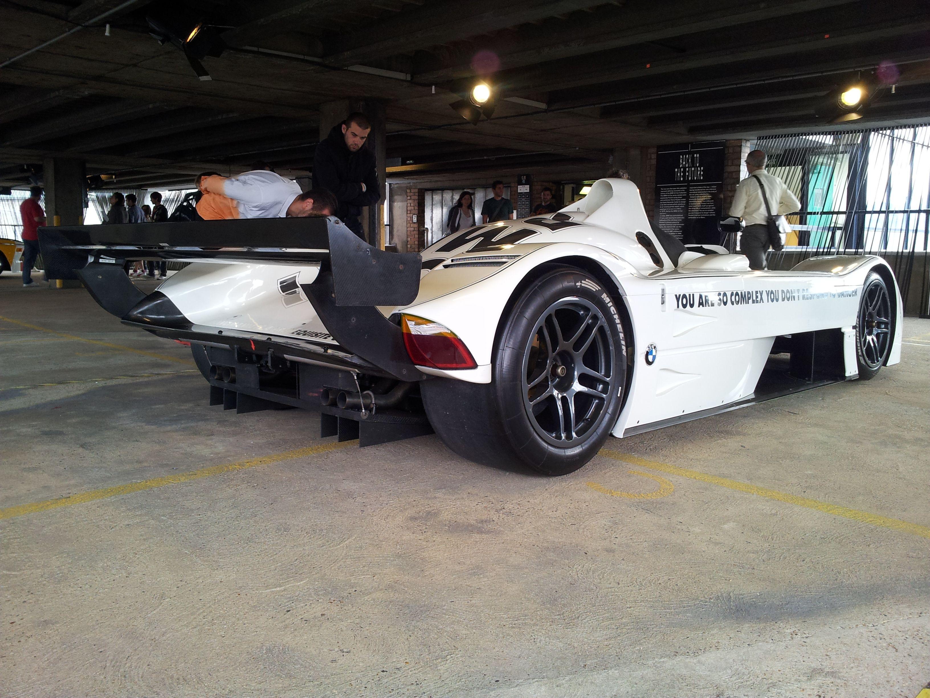 BMW V12 LMR Jenny Holzer got wheel Bmw v12