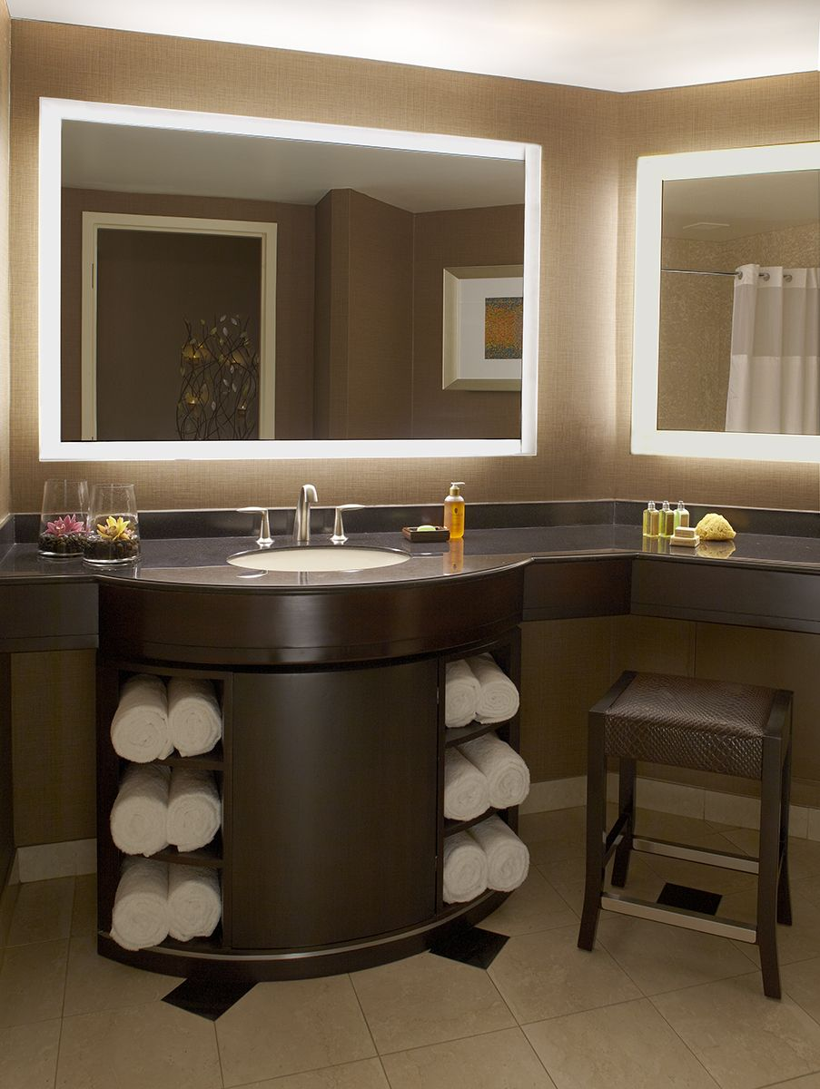 Grand Pequot Tower Deluxe Room The Bathrooms Are Equipped With A Marble Bathtub And Shower
