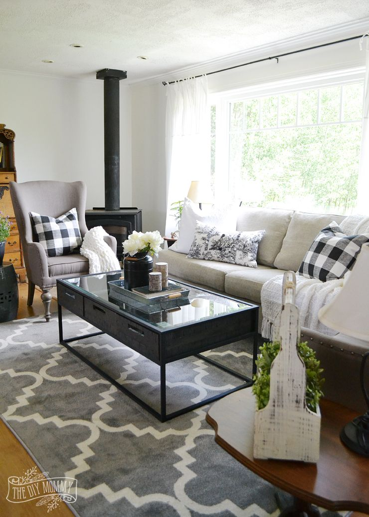 Our Guest Cottage Living Room: Neutral Mix-and-Match Style