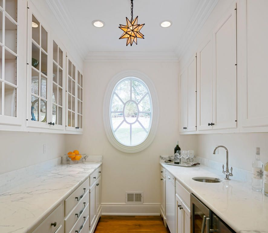 Perfect Butlers Pantry in Rumson, NJ