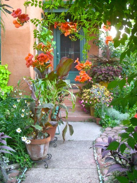 ArtofGardening.org: A tropical garden in Zone 5 | Gardens ...
