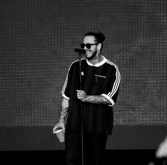 Post Malone at Governor Ball NYC #postmalonewallpaper Post Malone at Governor Ball NYC #postmalonewallpaper