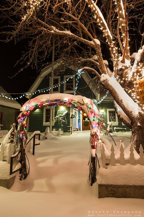 Downtown truckee 11 photograph of a snow covered for Sidewalk christmas lights