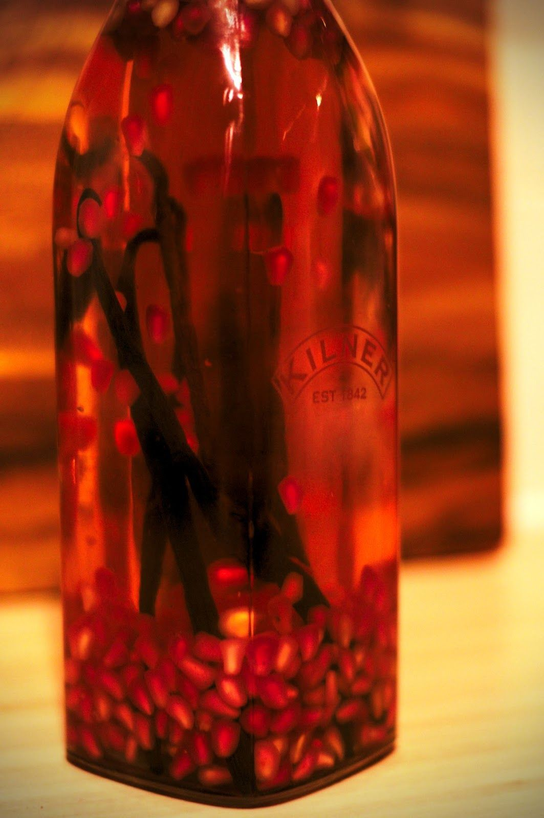 Pomegranate and vanilla vodka http://lavender-kitchen.blogspot.co.uk/2012/12/pomegranate-vanilla-vodka.html?m=1