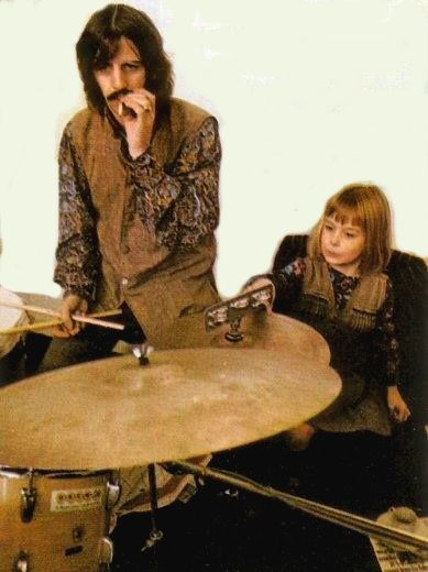 Ringo And Heather Eastman McCartney THIS IS ADORABLE I Saw A Video