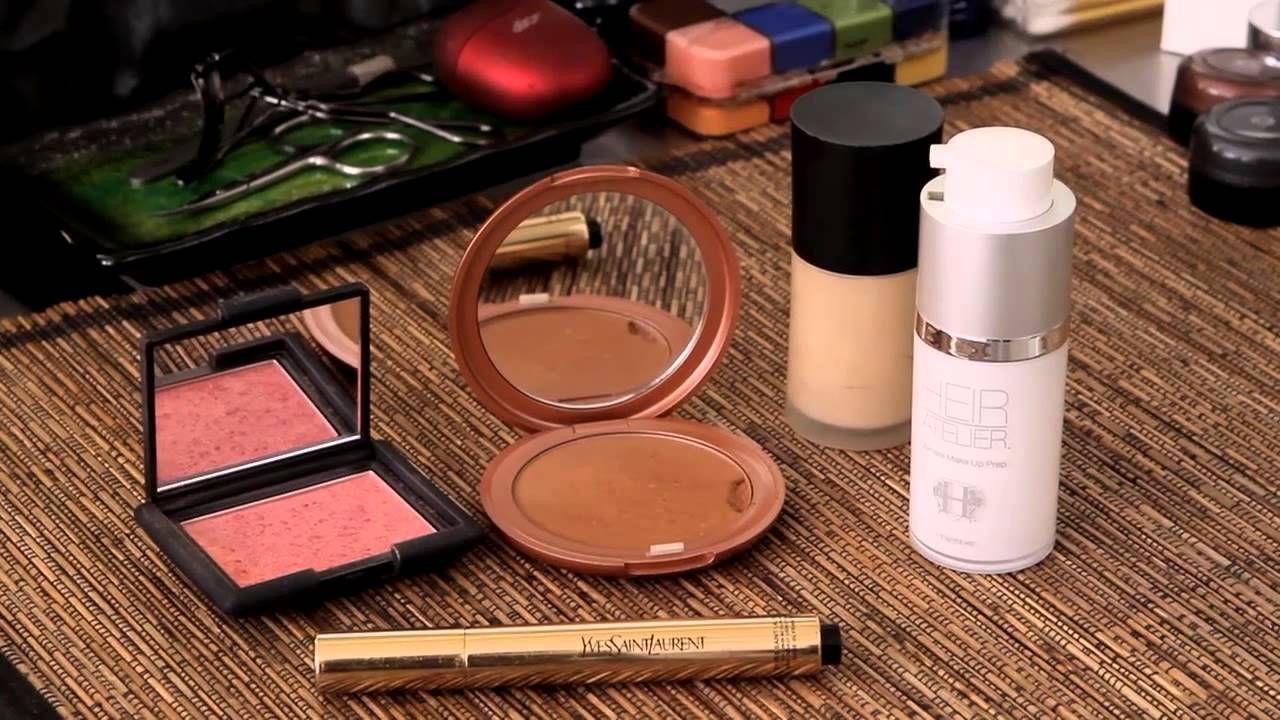 Makeup Artist Kendra Richards shares 5 kit essentials | http://heiratelier.com/blog/