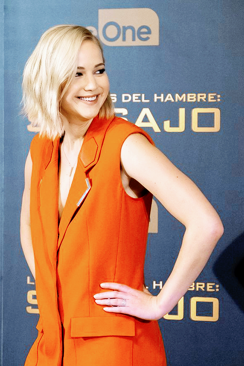 Jennifer Lawrence at the 'Mockingjay Part: 2' Photocall in Madrid!