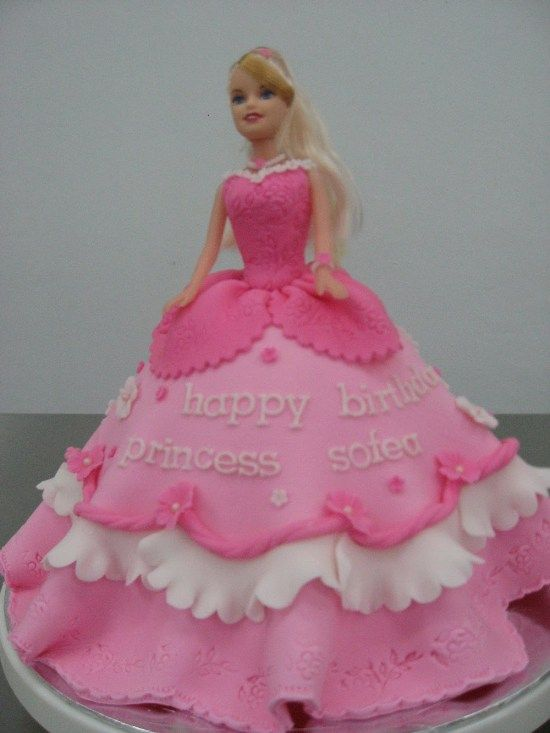 Cute Barbie Birthday Cake Let em eat cake Pinterest Barbie