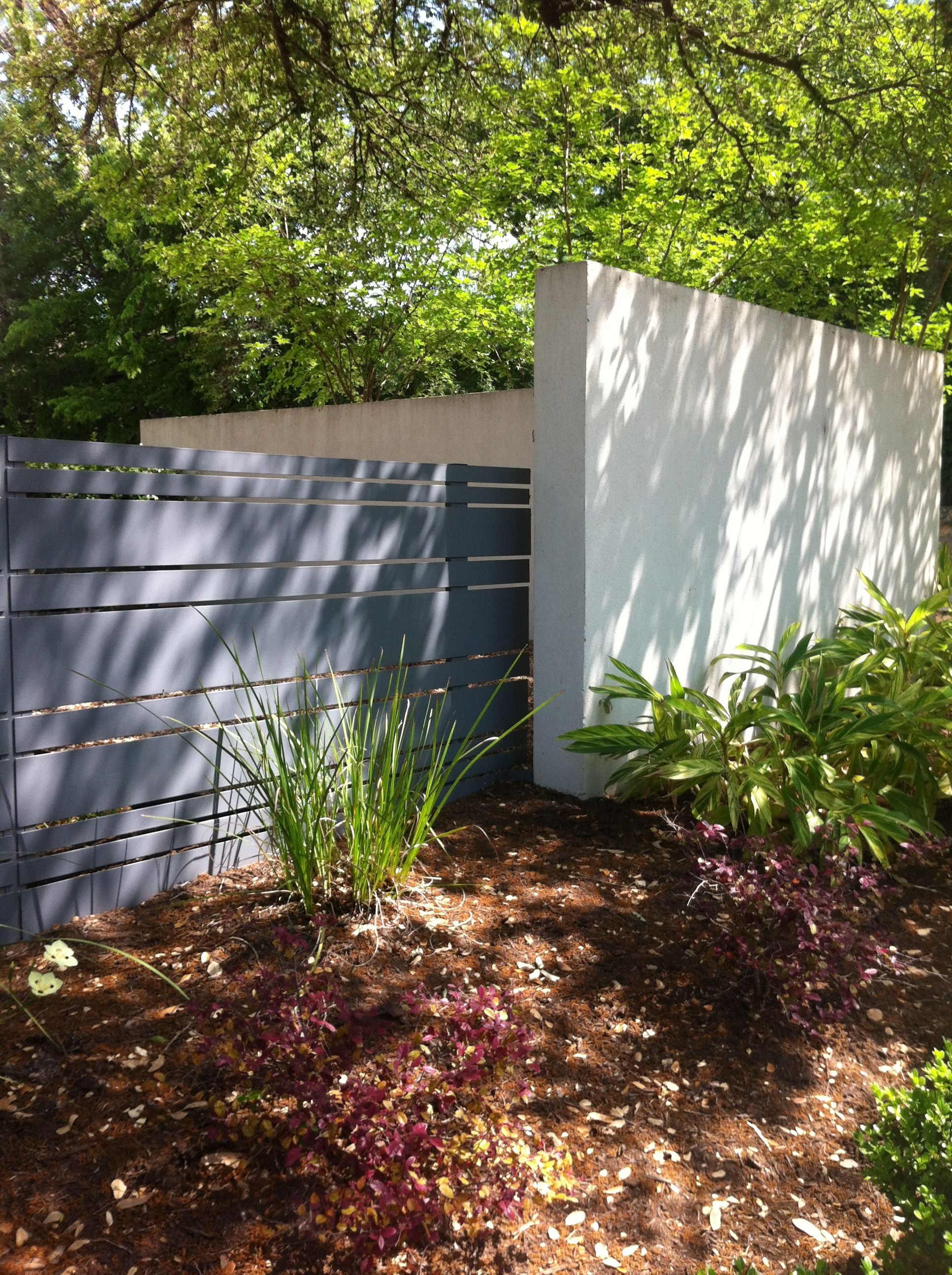 Wood Fence Next To Stucco Wall Fence And Gate In 2019