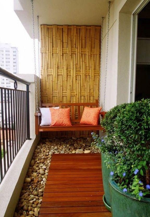 Der Balkon - unser kleines Wohnzimmer im Sommer mit Bambus und ...