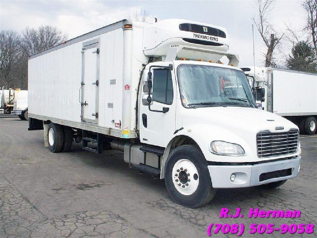 2012 Freightliner M2 26ft X 102in Refrigerated Straight Truck