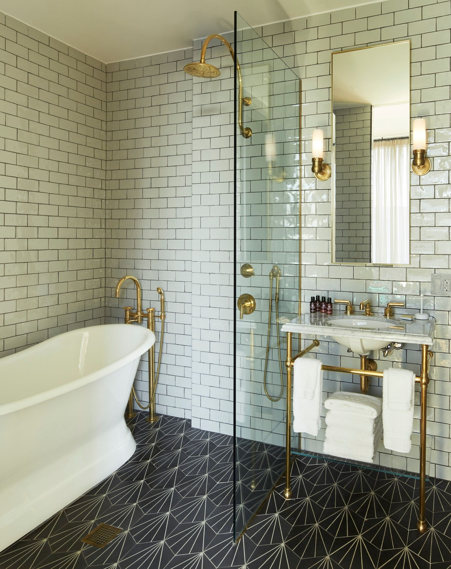 i love this modern bathroom in the williamsburg hotel in new york