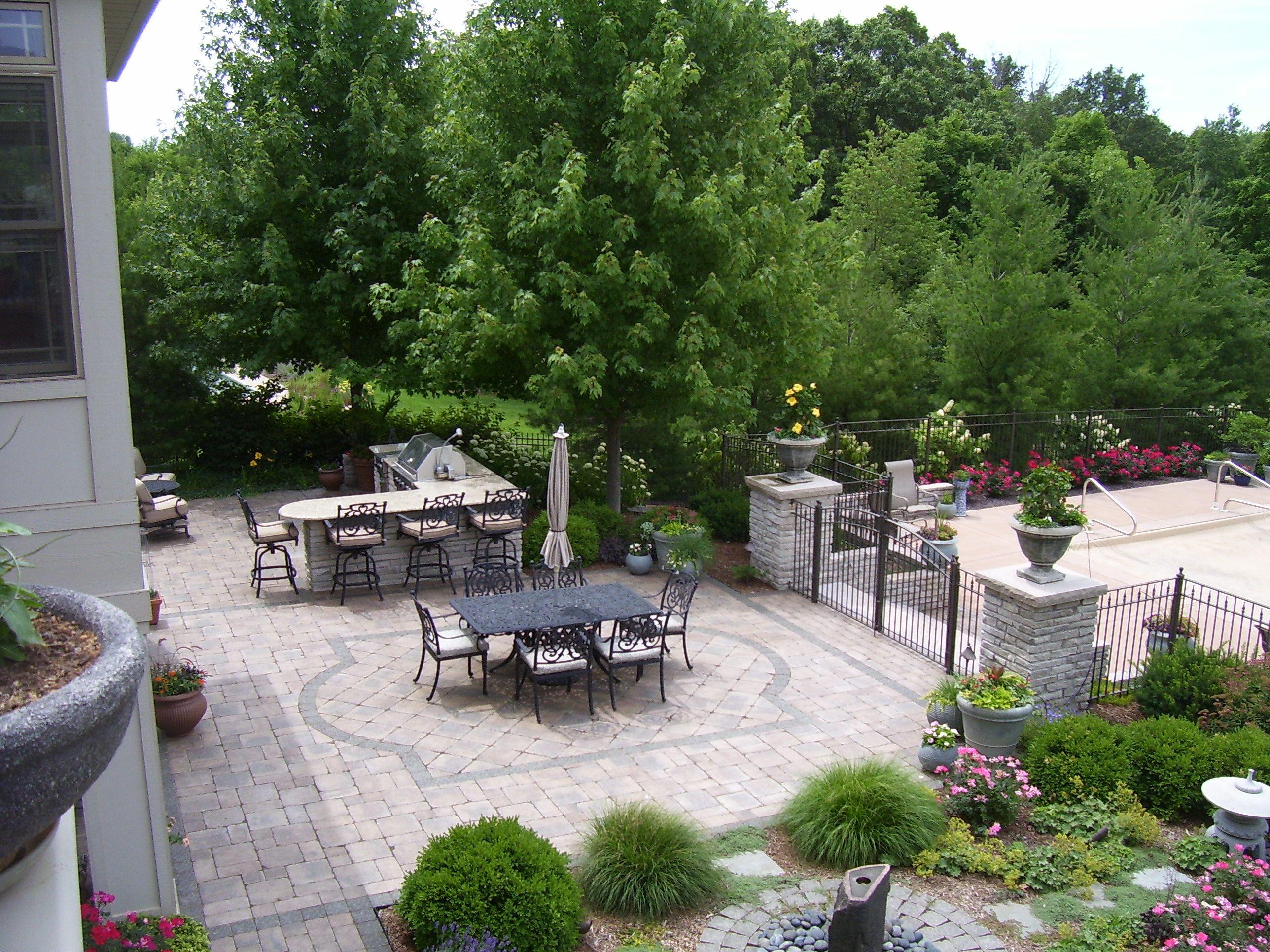 patio & perennial garden