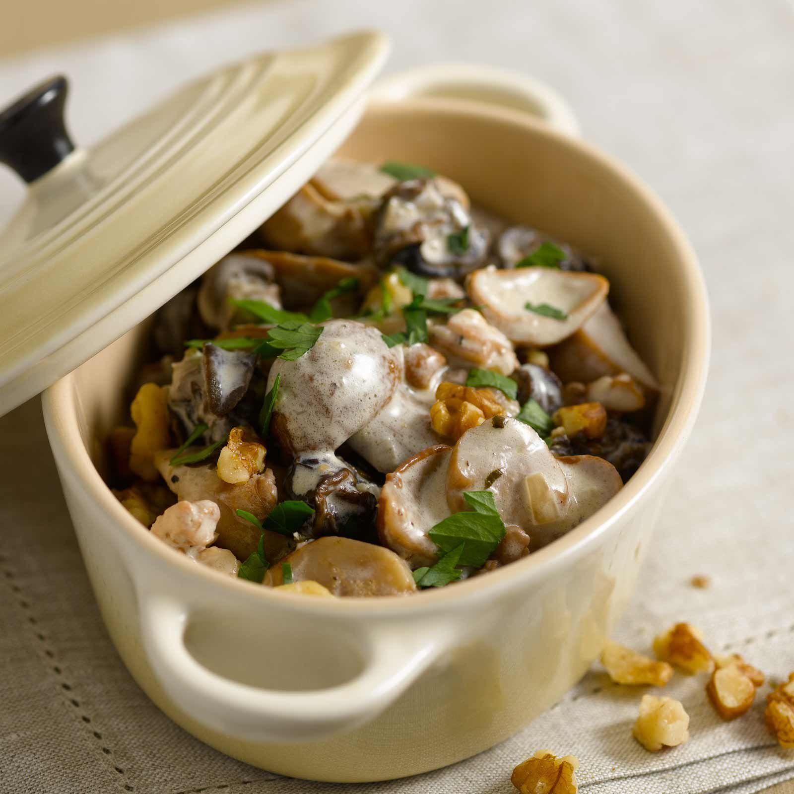 Fricass e d 39 escargots aux c pes recette les cepes - Cuisiner des champignons ...