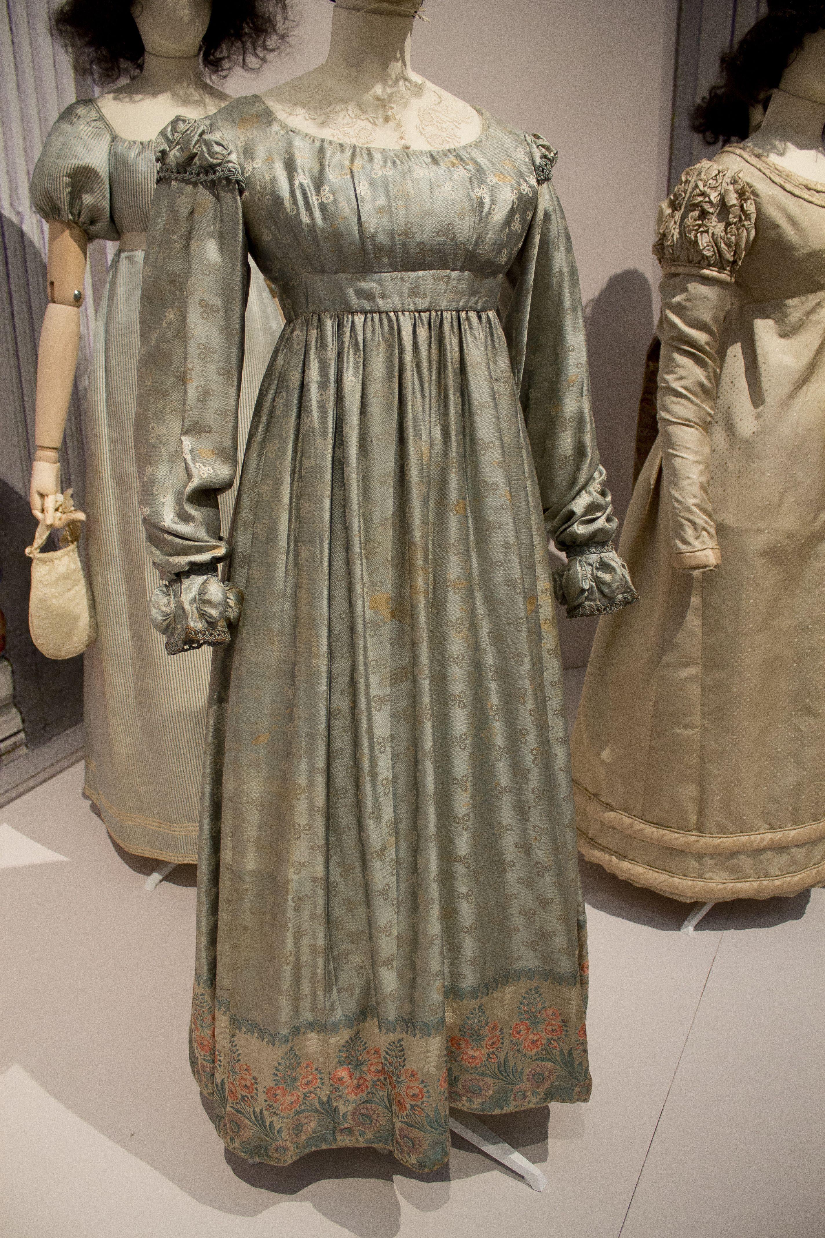 Gemeentemuseum the Hague exhibition on 10th century fashion