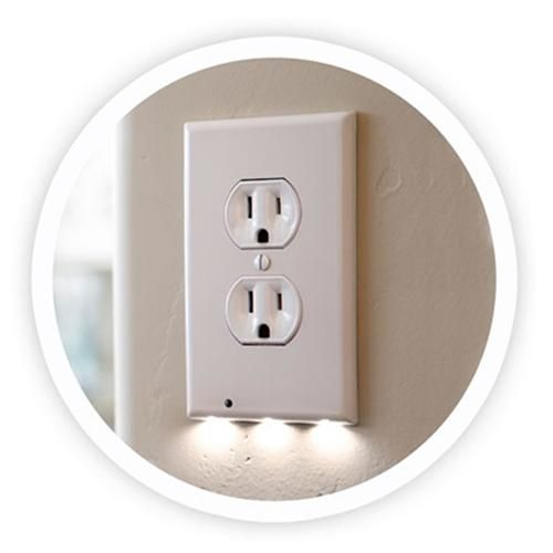Bathroom Wall Sconce With Electrical Outlet Home Design: SnapPower Duplex Guidelight Outlet Wall Plates White