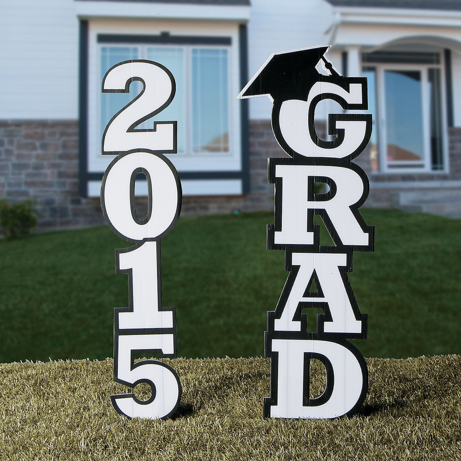 how to make a graduation yard sign