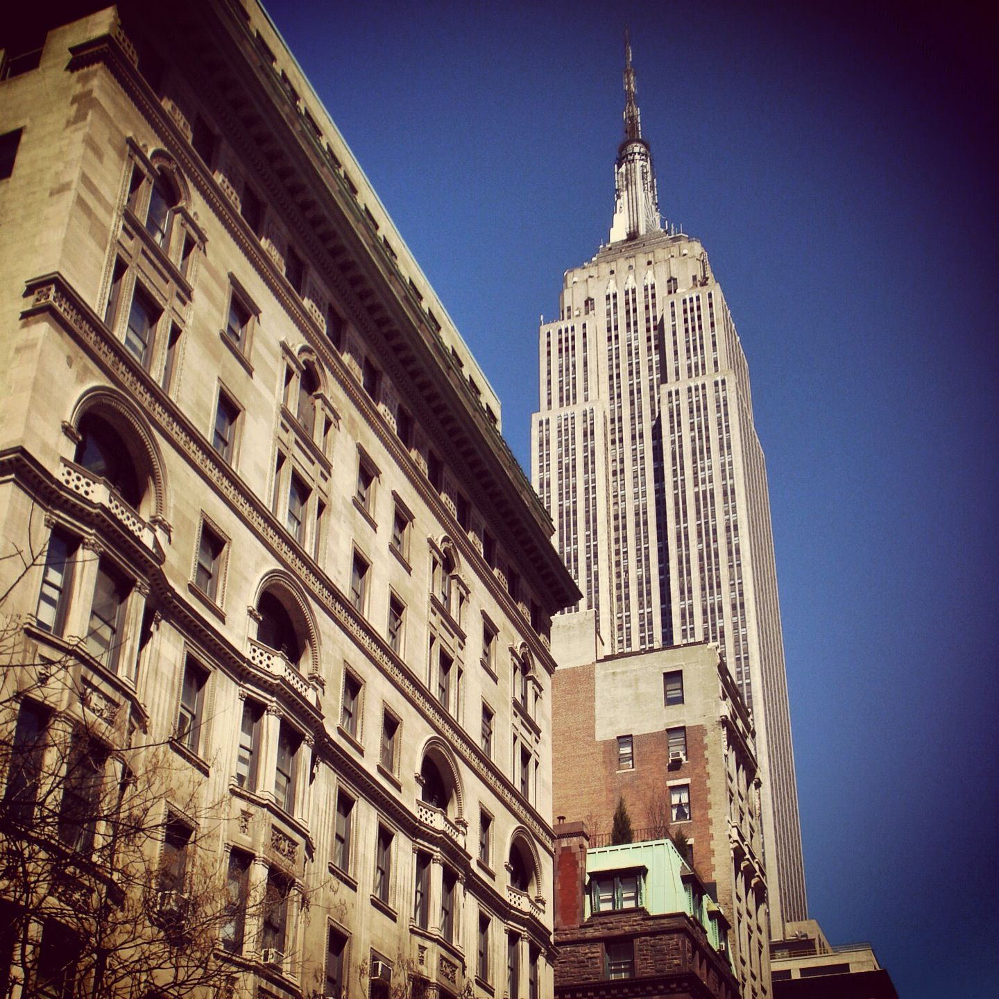 New York. Empire State Building. www.mdxapps.com