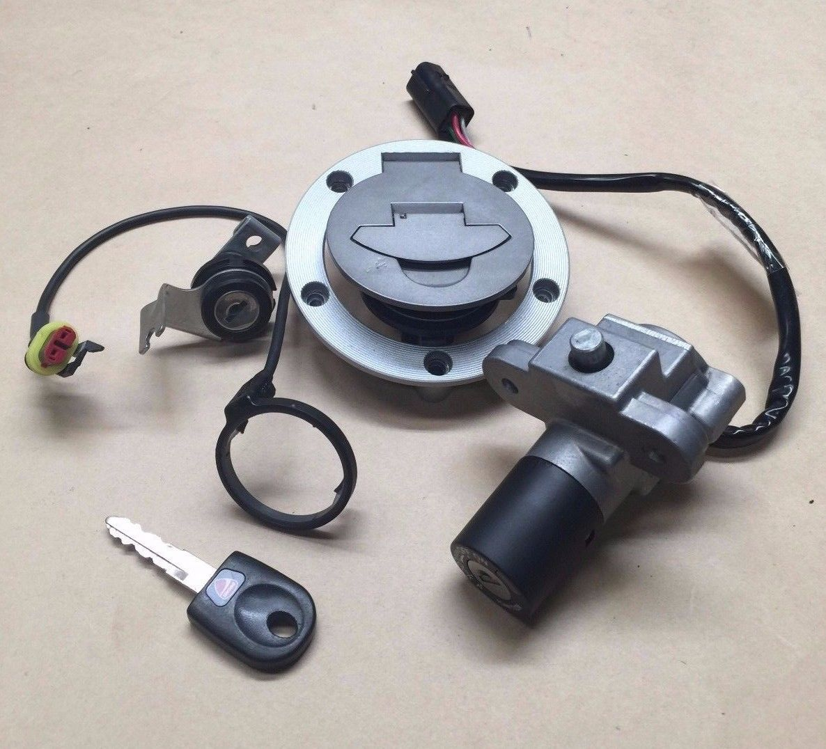 ducati 848 evo ignition switch gas cap tail lock key ignition ring