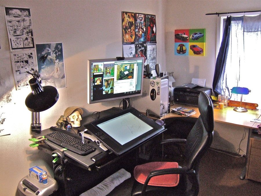 Cintiq 24hd artist workspace art studio room work space