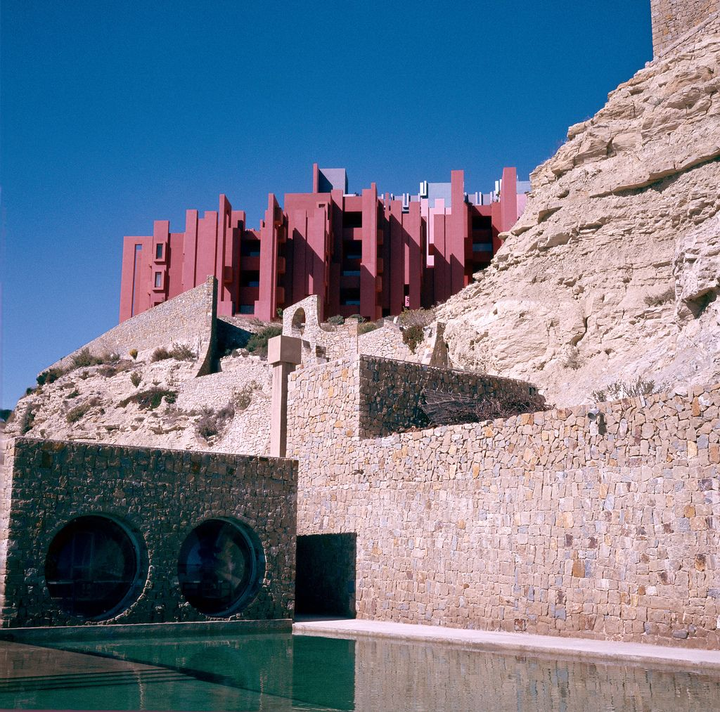 Galería - Clásicos de Arquitectura: La Muralla Roja / Ricardo Bofill - 5