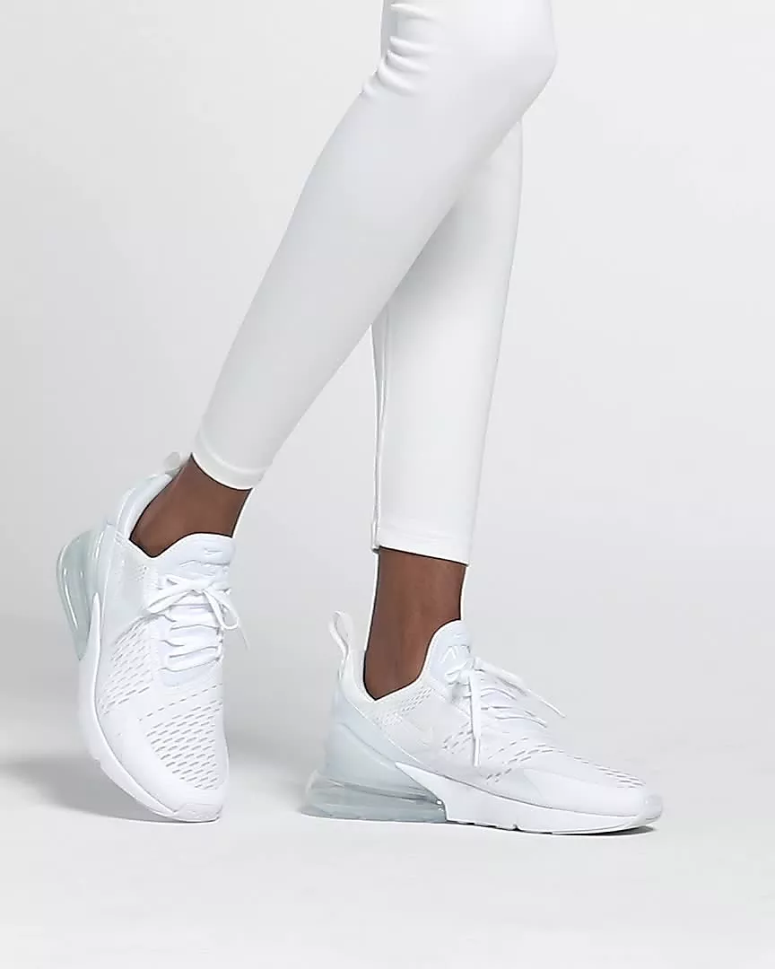 Soportar Girar en descubierto fusión  Nike Air Max 270 Women's Shoe. Nike.com | White nike shoes, Nike shoes air  max, White tennis shoes