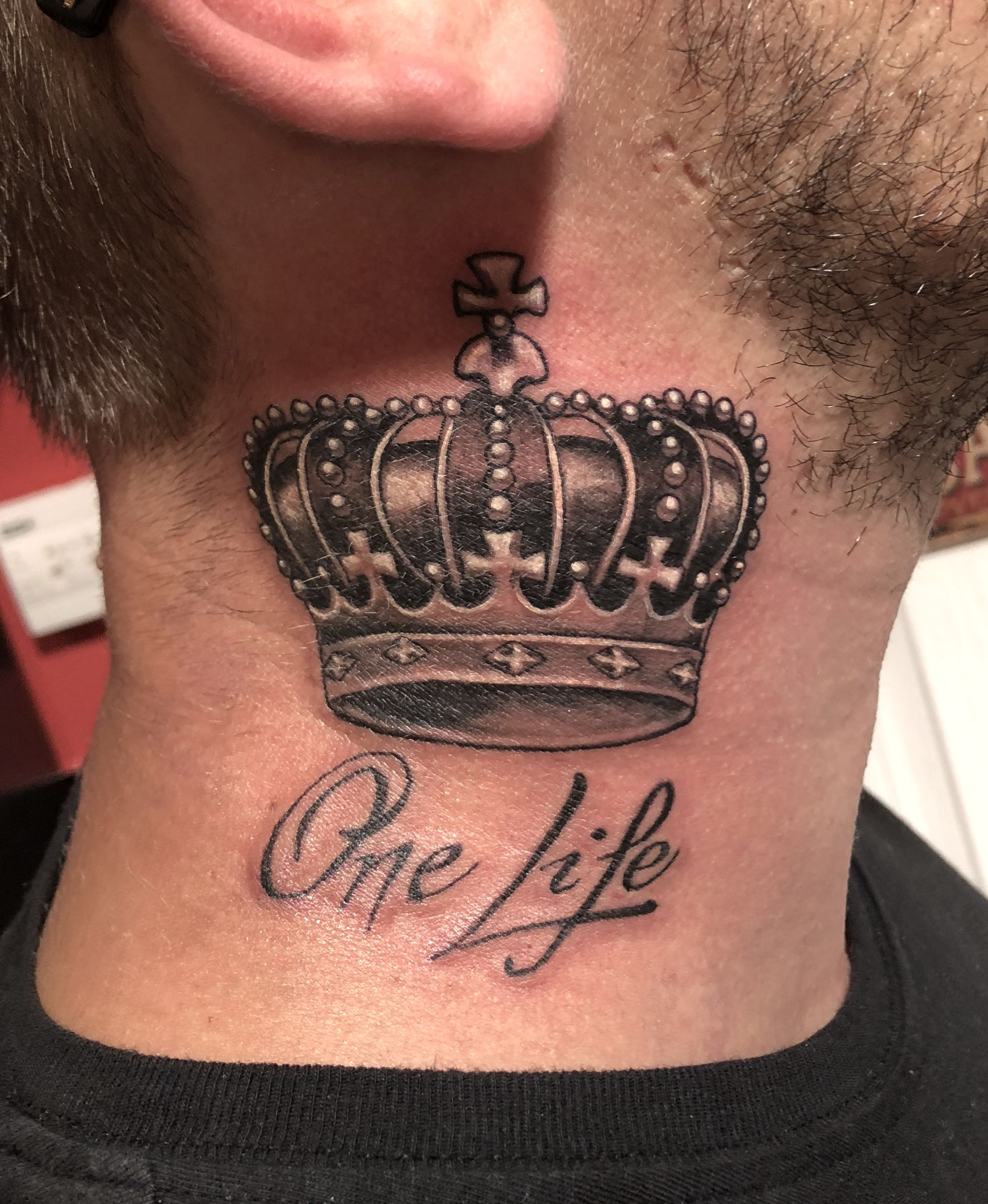 Westend Tattoo Westendtattooandpiercing Tattoo Neck Tattoo Crown Tattoo One Life Tattoo Small Tattoo Tetovalas Kis T Tatuagem Tatuagem Coroa Tatuagens