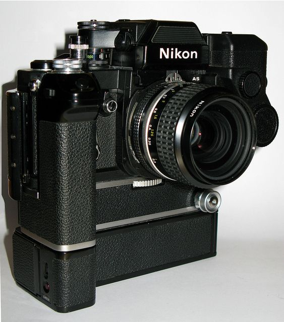 Nikon F2 Titan with AS-Finder, Motor Drive MD-2, Batterie-pack MB-1 and DS-12 EE Aperture Control Unit by wolf4max, via Flickr. WANT!