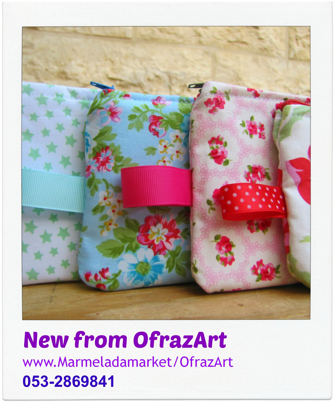 "handmade by OfrazArt  ארנק שיכול לשמש גם כקלמר, או כתיק אחסון לחפצים קטנים!  קל, נעים למגע עם רוכסן שימושי, עם תווית לנשיאה.   ****מהדורה מוגבלת**** מידות לערך: 12*22 ס""מ"